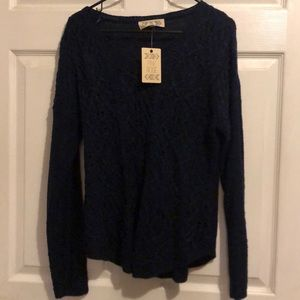 Navy blue V neck sweater NWT (L)
